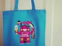 Aunt Sandra's T-shirt & Tote Bag Illustration
